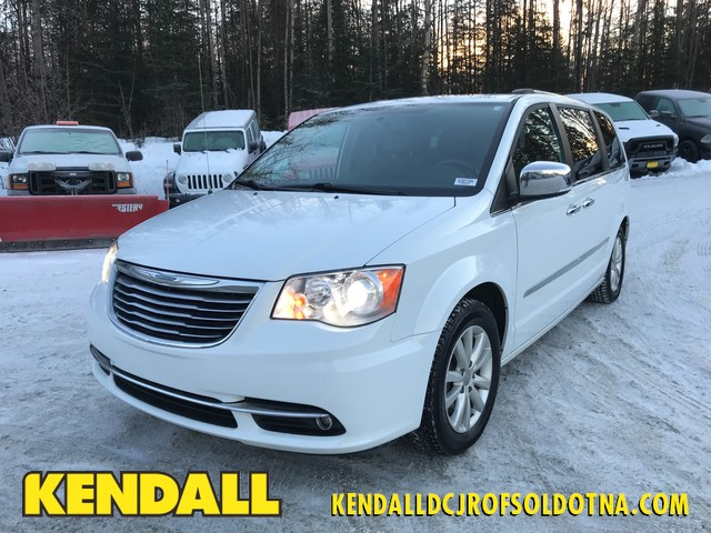 Pre-Owned 2016 Chrysler Town & Country Limited Platinum